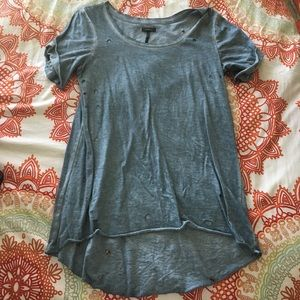Distressed and holly Tee - Size S